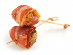 petites-brochettes-porc-fromage-gratinees-skewer-pork-cheese-proscuitto-1024x762.jpg